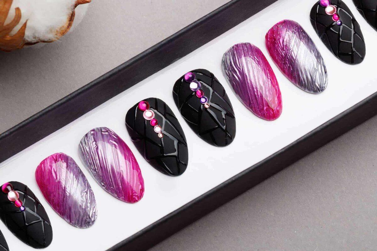 Amazing Texture Silver & Pink Press on Nails   Black Nails   Modern Nails   Hand painted Nail Art   Fake Nails   False Nails