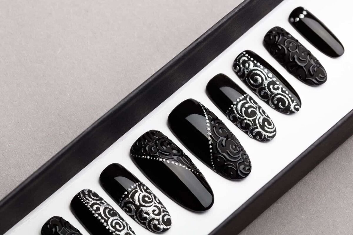 Black Laces Press on Nails | Hand painted Nail Art | Fake Nails | False Nails | Glue On Nails | Tracery Nails | Acrylic Nails | Gel Nails