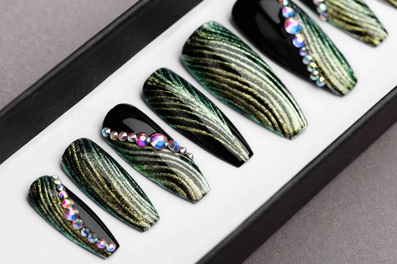 Green and Black Press on Nails with Swarovski | Fake Nails | False Nails | Golden tracery | Handpainted Nail Art | Glitters