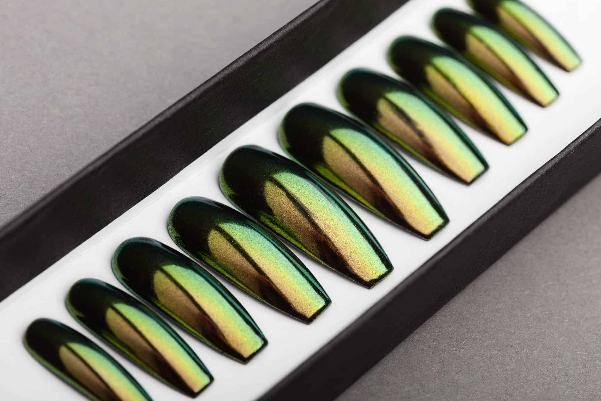 Green & Gold Mirror Press on Nails | Nude Nails | Handpainted Nail Art | Fake Nails | False Nails | Unicorn Nails | Chrome nails | Manicure