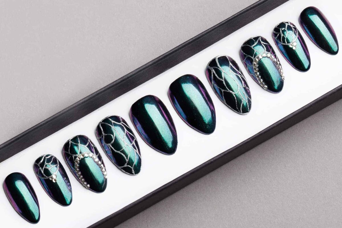 Green Holographic Mirror Press on Nails with Swarovski Crystals | Silver Tracery | Handpainted Nail Art | Fake Nails | False Nails