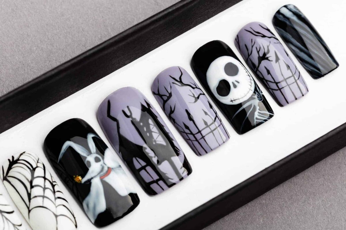 Nightmare Before Christmas Press on Nails, Halloween nails
