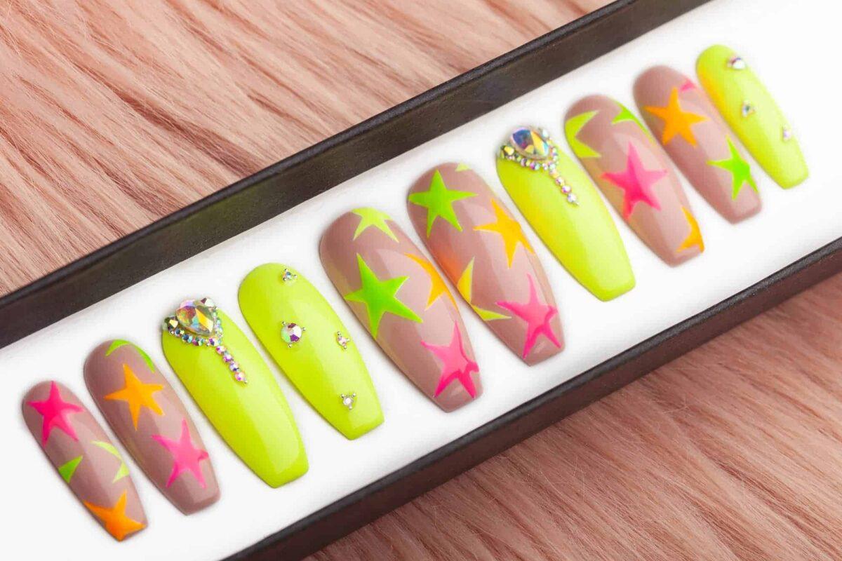Kylie Stars Press on Nails