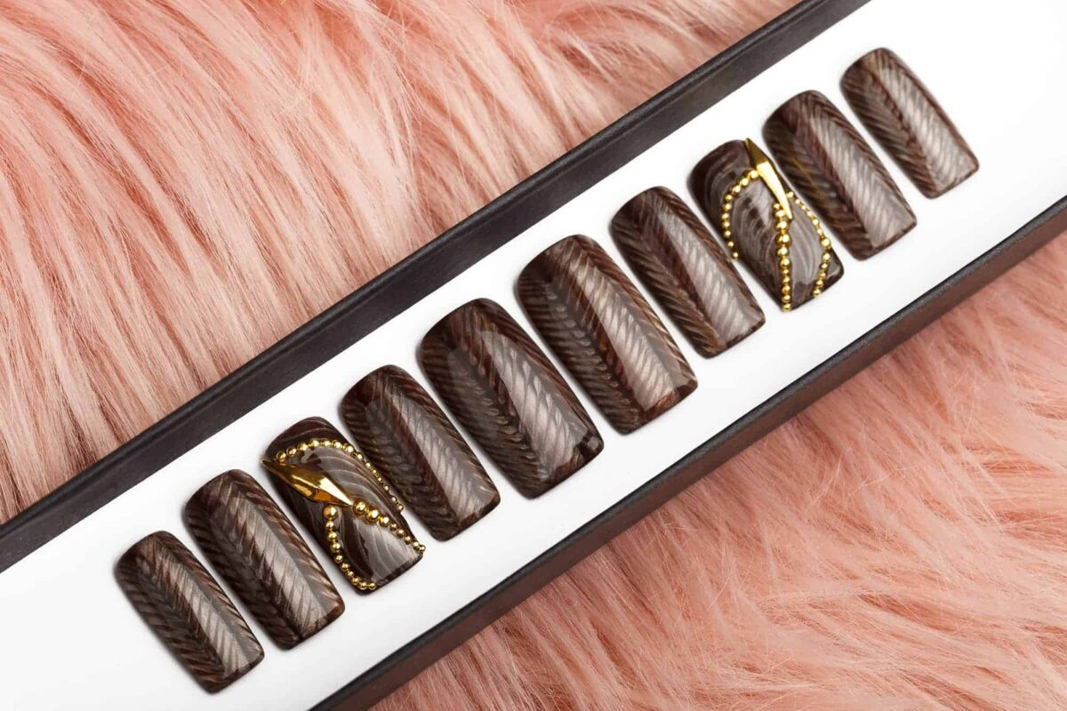 Brown Pattern Press on Nails
